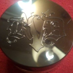 PICK 5 FOR 25 KAT VON D LOCK IT SETTING POWDER